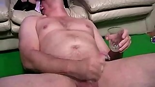 Watch naughty cuckold slut face sitting