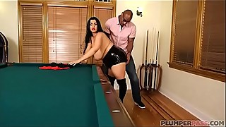 Sexy Plump Wife Fucks BBC After Losing Pool Game