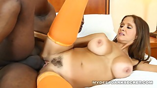 MDDS Hotwife Rio does Incall Massage for BBC
