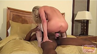 Tiny wife big black dick and squirts