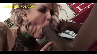 Sucking Black in Front of White Cuckoldkold